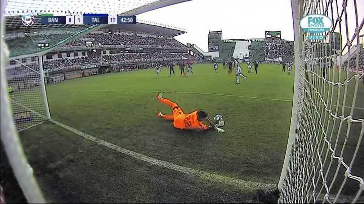 Herrera le tapó el penal a Bertolo