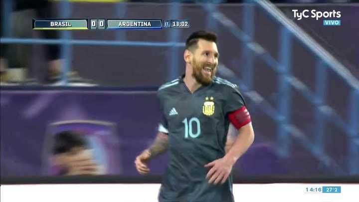 Messi la metió en el rebote del penal para la Selección