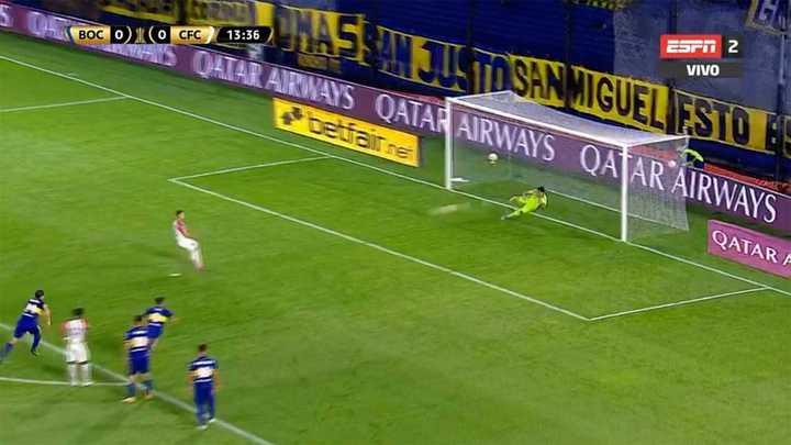 Andrada atajó un penal para Boca