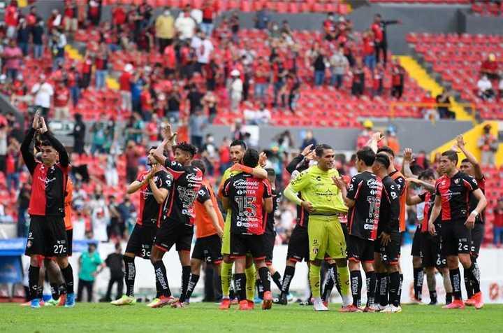 El Atlas de Diego Cocca le ganó 2-0 al León de Ariel Holan