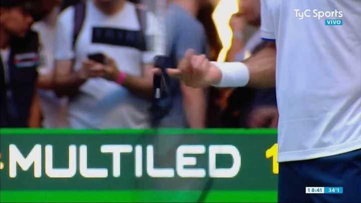 Federer te hace malabares con la raqueta