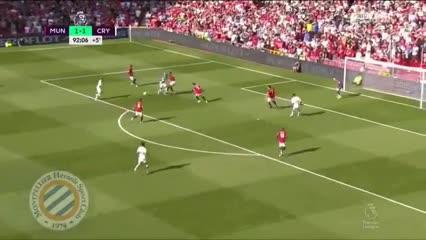 Patrick van Aanholt clavó el 2-1 agónico de Crystal Palace vs United