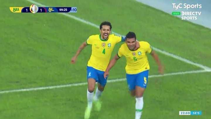 De cabeza, Casemiro le dio la victoria a Brasil