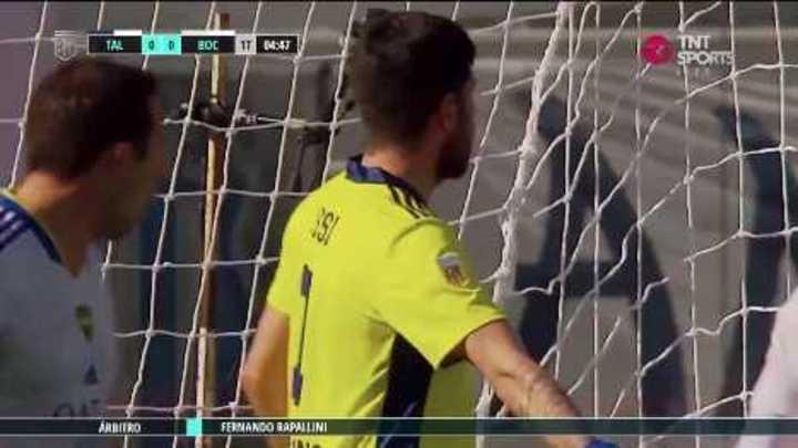 Rossi salvó a Boca