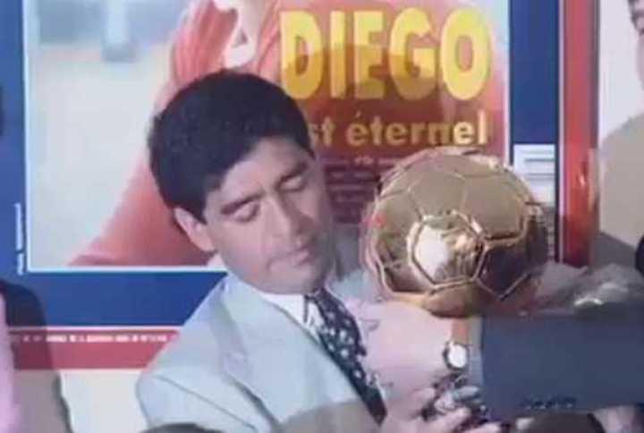 El Balón de Oro honorífico a Diego en 1995