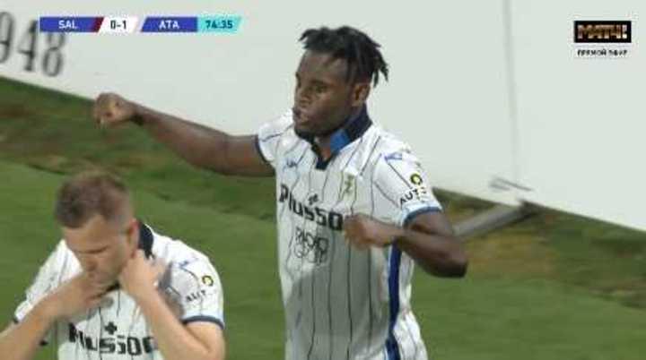 Duván Zapata metió el 1-0 de Atalanta