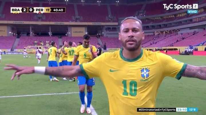Brasil le ganó 2 a 0 a Perú