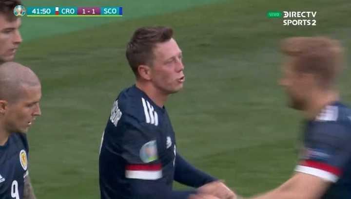 McGregor empató para Escocia