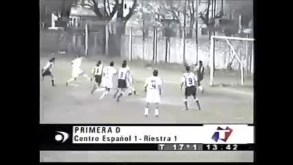 Gol de Domenech contra Centro Español (YouTube Ascenso Noventoso)