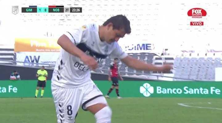 Pulga Rodríguez salió reemplazado y se calentó