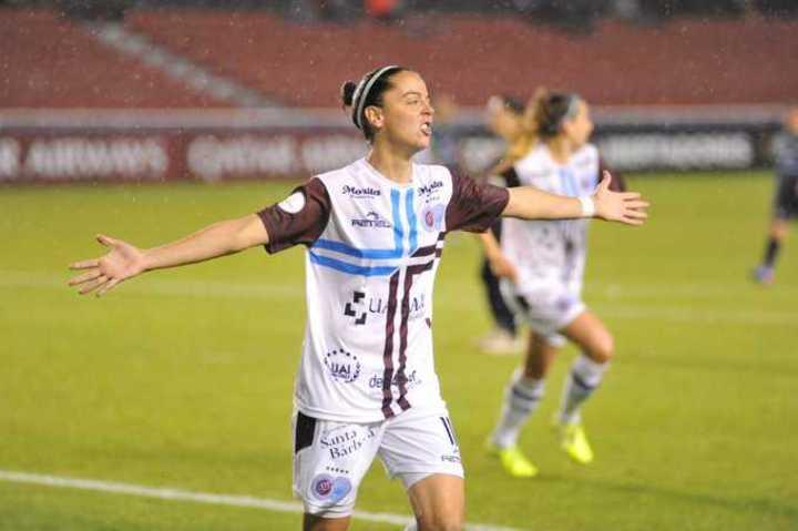 UAI Urquiza goleó 6-0 a Municipalidad de Majes por la Libertadores femenina