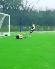 El gol de Villa en el entrenamiento de Boca