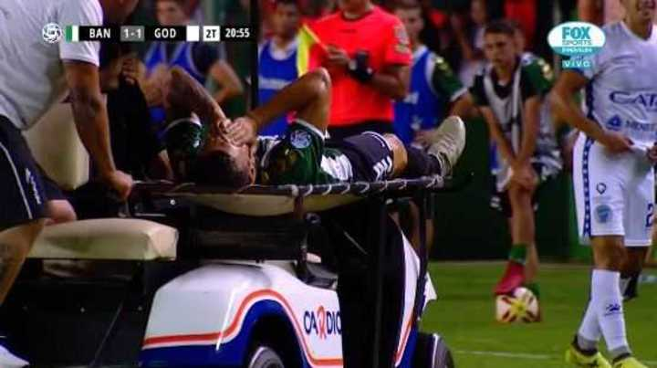 Bertolo dejó la cancha por lesión