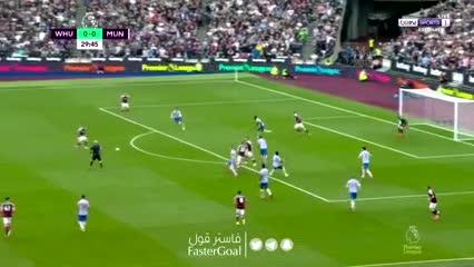 Benrahma con ayuda para el 1-0 de West Ham sobre Manchester United