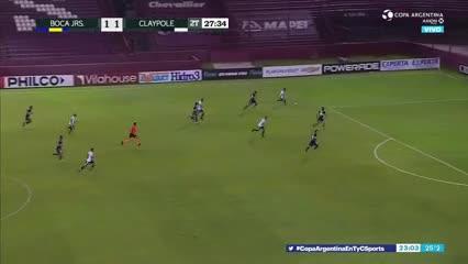Javi García volvió a salvar a Boca