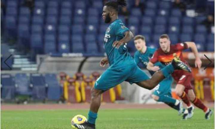 Penal por VAR y gol del Milan