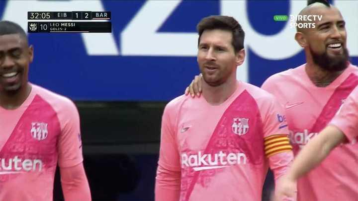 Dos goles de Lionel en dos minutos