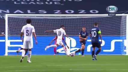 Neymar estuvo dos veces muy cerca del empate
