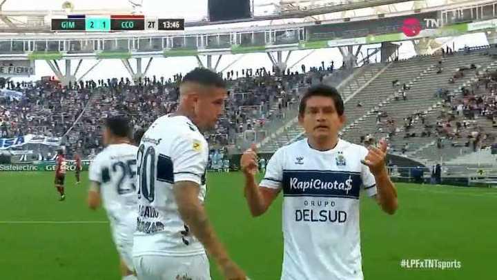 Golazo de Pulga Rodríguez para el 2-1