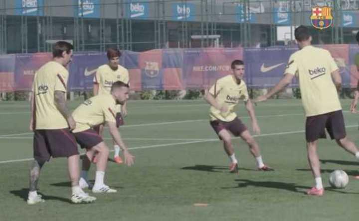 El show de Messi en la práctica del Barcelona