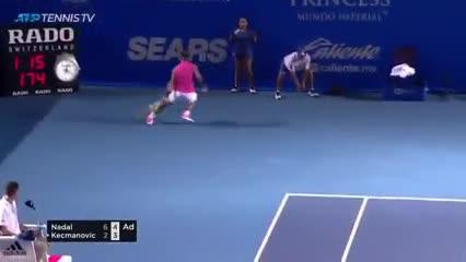 Super punto de Nadal ante Kecmanovic en el abierto de Acapulco.