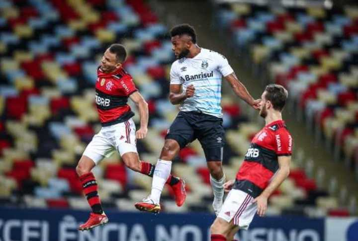 El testazo del colombiano Borja con Gremio a Flamengo en Maracaná