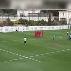 El gol de Benedetto a lo Riquelme