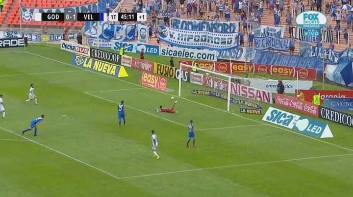 Tras un error del fondo de Vélez, Lucero tuvo el del empate